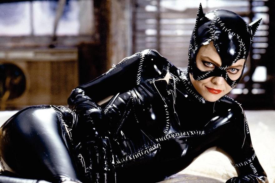 fétichisme-latex-catwoman-michelle-pfieffer-maitryaorganization-1