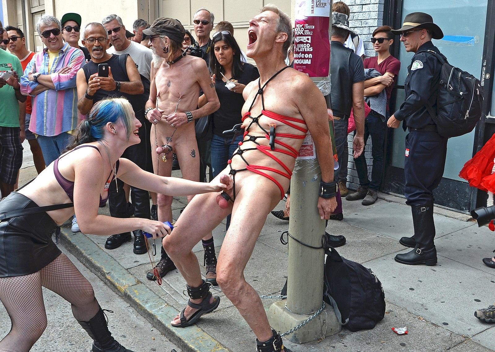 Ballbusting-une pratique qui a des couilles - BDSM - maitryaorganization - 7